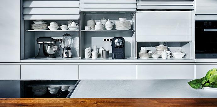 poco k che liefern und aufbauen varie forme di mobili idea e camera da letto. Black Bedroom Furniture Sets. Home Design Ideas